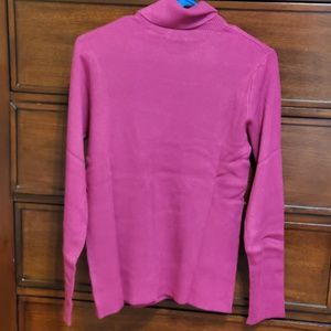 Long sleeve fuchsia turtle neck sweater